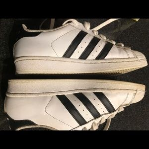 Adidas size 5 Sneakers